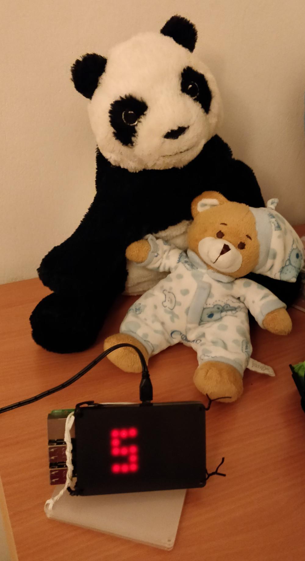 Bear-bear-clock